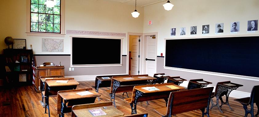 Resultado de imagem para sala de aula